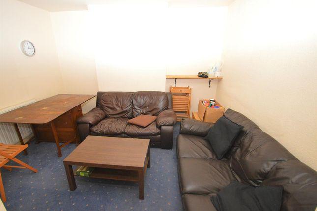 Communal Lounge of Abercorn Road, Chapelfields, Coventry CV5