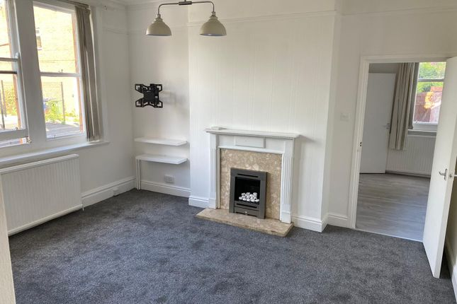 2 bed flat to rent in Newton Street, Hyde SK14