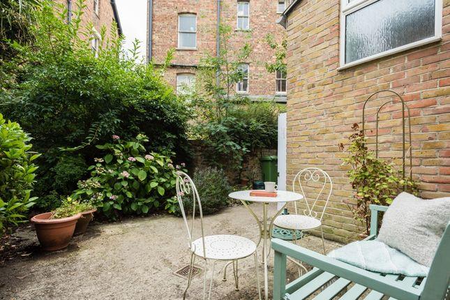 Garden of Walton Crescent, Oxford OX1