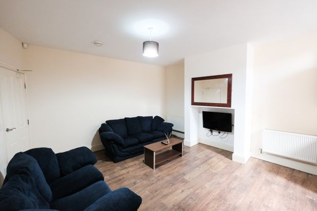 Thumbnail Shared accommodation to rent in Trafford Street, Preston, Lancashire