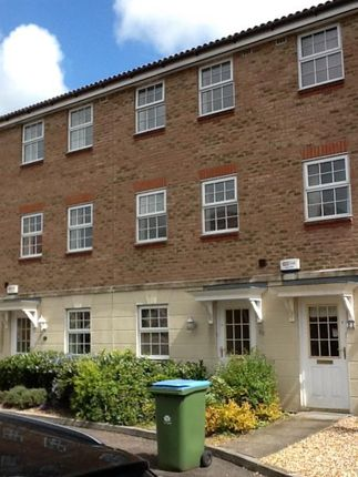 Thumbnail Town house to rent in Saxby Close, Barnham, West Sussex PO220Gn