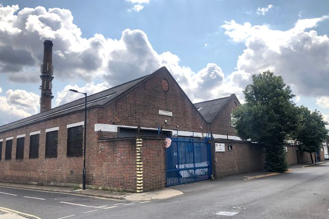 Thumbnail Industrial to let in Glengall Road, London