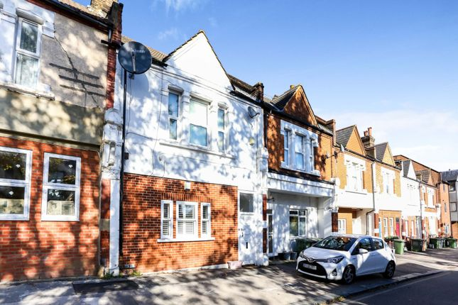 2 bed flat for sale in The Parade, London SE26