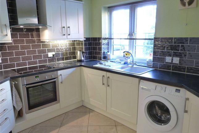 Thumbnail Flat to rent in New Bright Street, Reading, Berkshire