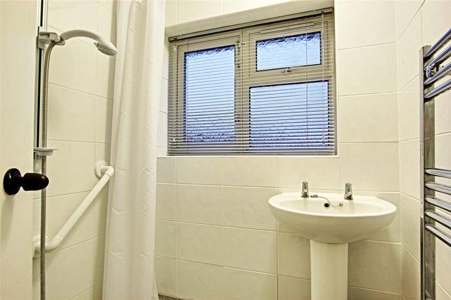Picture No. 07 of Stalybridge Avenue, Hull, East Yorkshire HU9