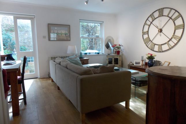Lovely Three Bedroom Mews House
