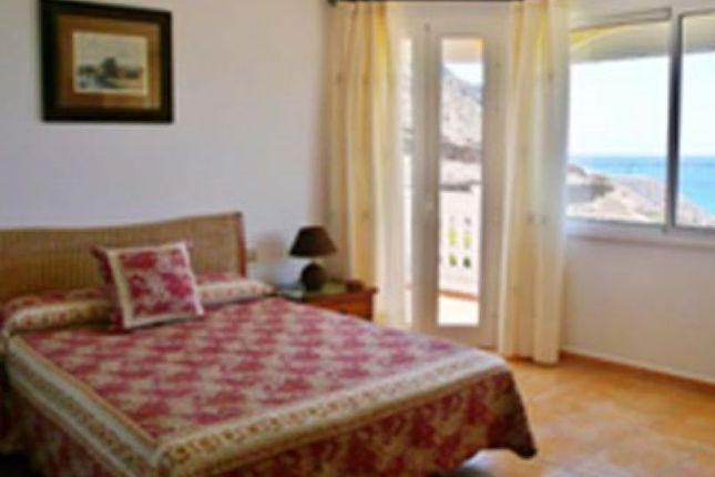 Thumbnail Villa for sale in Los Cristianos, Parque Tropical, Spain
