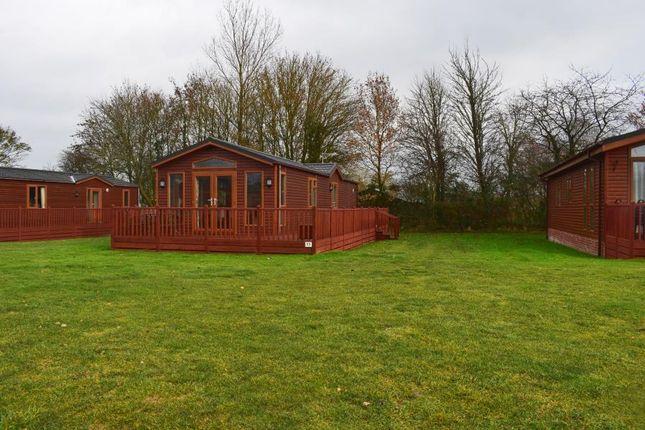 Thumbnail Lodge for sale in Dereham Road, Yaxham, Dereham
