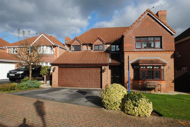 Thumbnail Detached house for sale in Pinners Fold, Norton, Runcorn