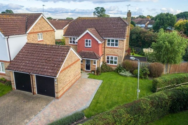 Thumbnail Detached house for sale in Little Catherells, Hemel Hempstead