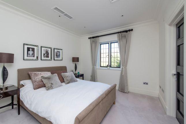 Guest Room of Yaffle Road, Weybridge KT13