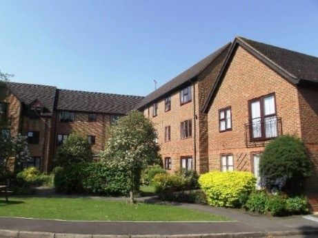 Thumbnail Property for sale in Pinewood Court, Fleet