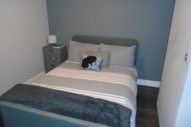 Bedrooms of Reservoir Street, Salford M6