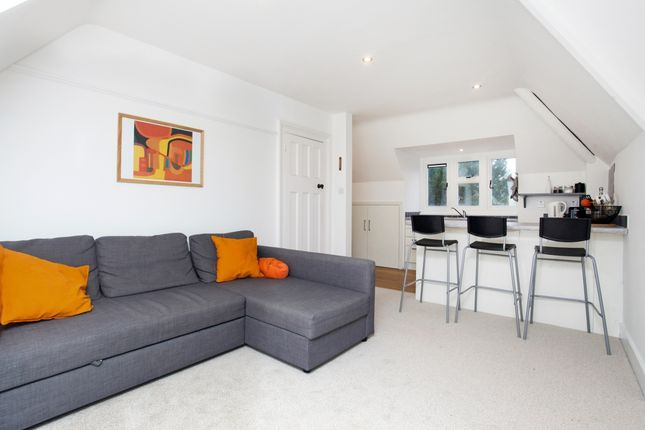 Flat to rent in Warwicks Bench, Guildford