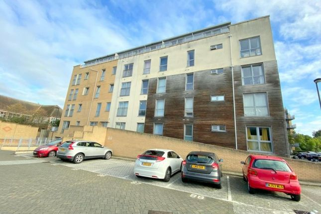 Thumbnail Flat to rent in Domus Court, Fortune Avenue, Edgware, Middlesex