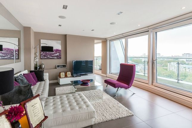 Thumbnail Flat for sale in Bezier Apartments, 91 City Road, London