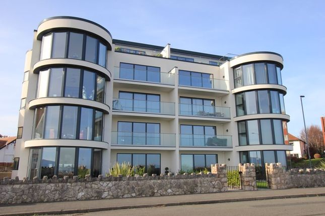 2 bed flat for sale in Marine Drive, Rhos On Sea, Colwyn Bay LL28