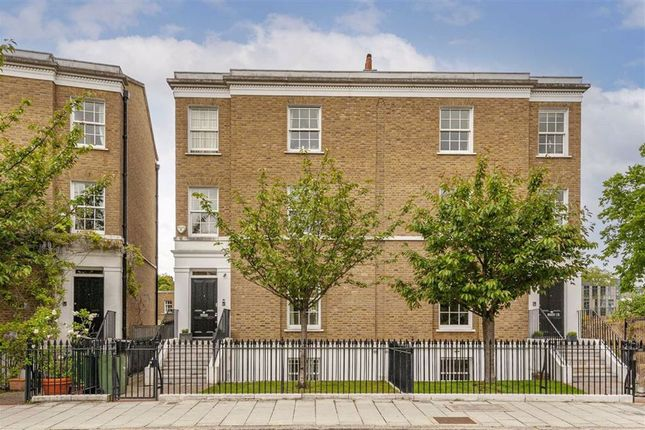 Thumbnail Property for sale in Stockwell Park Crescent, London