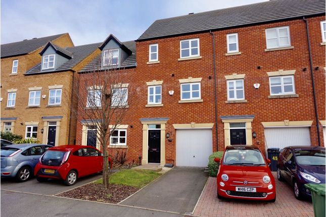 Town house in  Lowes Drive  Tamworth  Birmingham