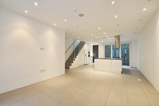 Thumbnail Property to rent in Rowan Road, London