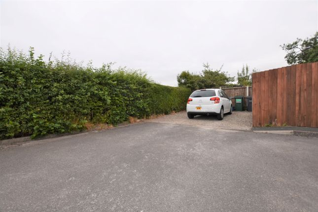 Parking of Hoole Lane, Hoole, Chester CH2