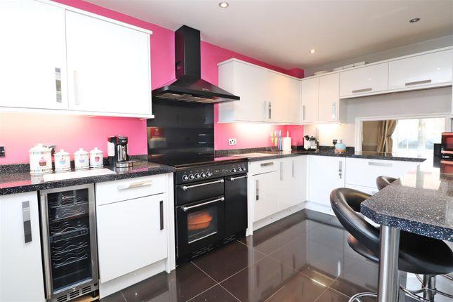 Sc Kitchen 3 of Stanton Close, St.Albans AL4
