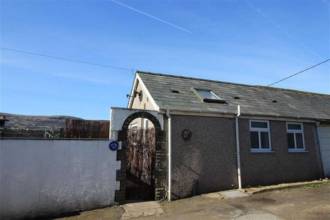 Thumbnail Cottage to rent in Llanbedr Road, Crickhowell, Powys