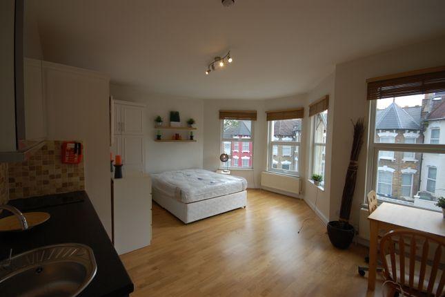 Thumbnail Studio to rent in Duckett Road, London
