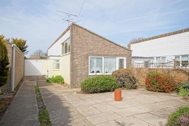 3 bed detached bungalow to rent in Swandene, Pagham, Bognor Regis PO21