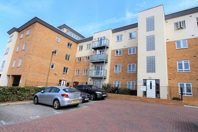 Thumbnail Flat to rent in Todd Close, Borehamwood