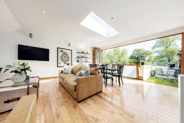 Thumbnail Flat for sale in Culverden Road, London