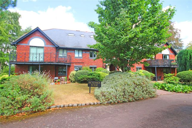 Thumbnail Flat for sale in Woburn Hill Park, Woburn Hill, Addlestone