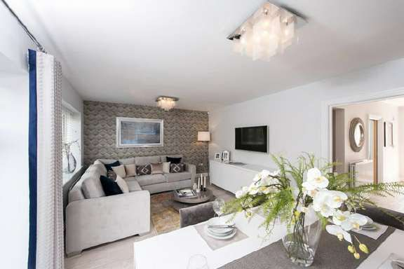 Thumbnail Property for sale in Redhill, Surrey