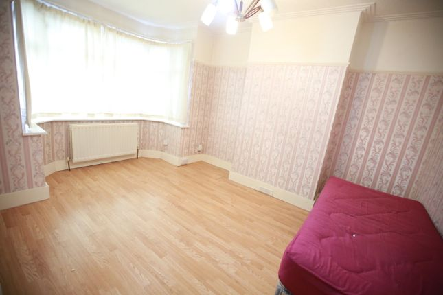 3 bed semi-detached house to rent in Torrington Drive, South Harrow