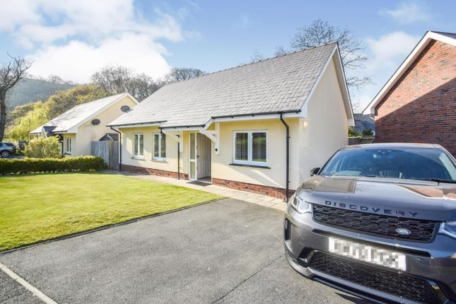 4 bed detached bungalow for sale in Dolphin Court, New Quay SA45