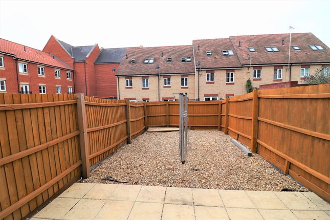 End terrace house for sale in Fulham Way, Ipswich, Suffolk