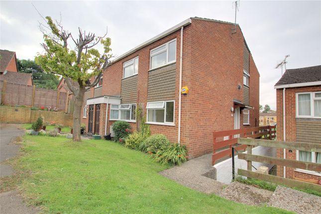 Thumbnail Maisonette to rent in Ashton Close, Tilehurst, Reading, Berkshire