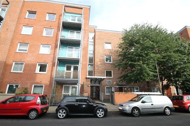Picture No. 21 of Wynter Street, Battersea, London SW11