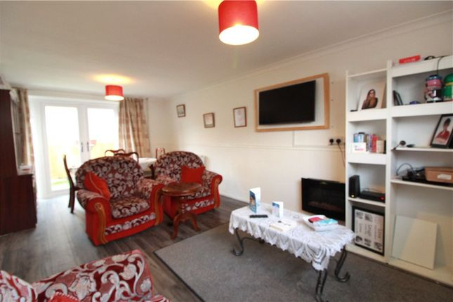 Living Room of Lyndale Road, Coventry, West Midlands CV5