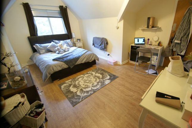 Thumbnail Terraced house to rent in North Grange Mount, Hyde Park, Leeds