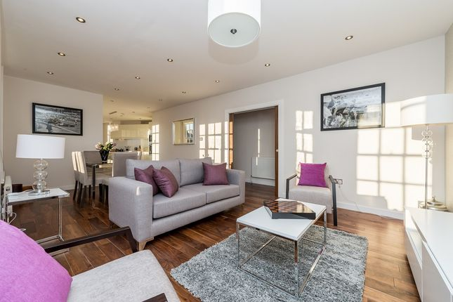 2 bed flat for sale in Sherwood Court, Bryanston Place, London
