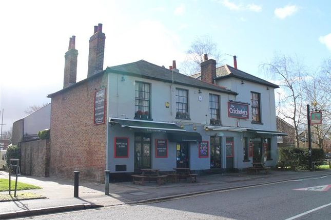 Thumbnail Pub/bar for sale in Fairfield South, Kingston Upon Thames
