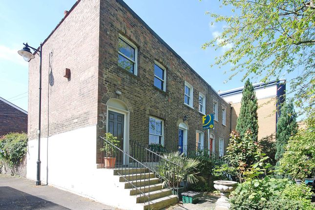 Thumbnail Property to rent in Fife Terrace, King's Cross, London