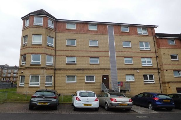 2 bed flat to rent in Hillfoot Street, Dennistoun, Glasgow