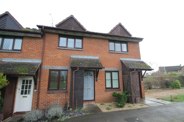 Thumbnail Terraced house to rent in Deacon Close, Wokingham