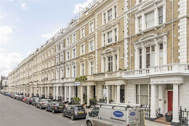 1 bed flat for sale in Clanricarde Gardens, London