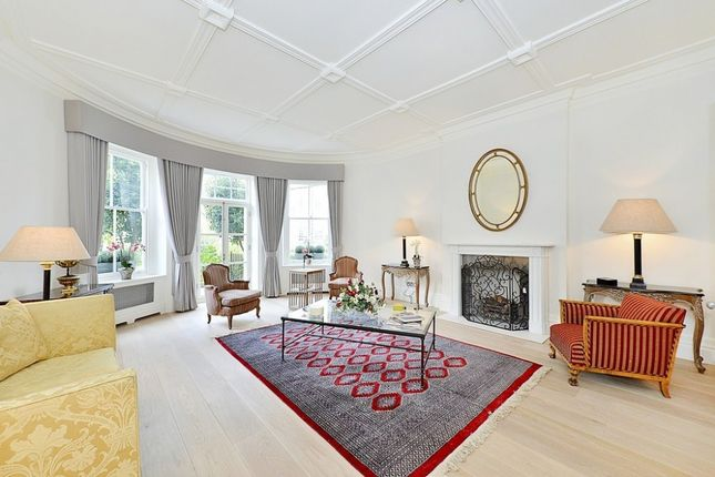 Thumbnail Property to rent in Sloane Court West, Chelsea