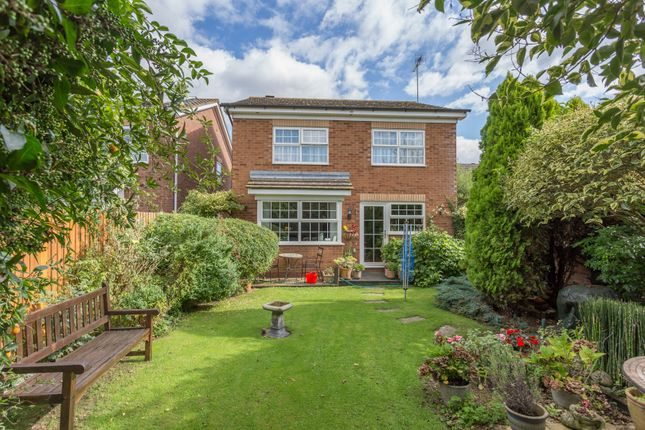 Thumbnail Detached house for sale in Essex Rise, Warfield, Bracknell