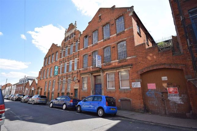 Thumbnail Flat for sale in Dunster Street, Northampton