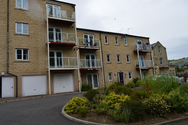 Thumbnail Flat to rent in Olivia View, Sowerby New Road, Halifax